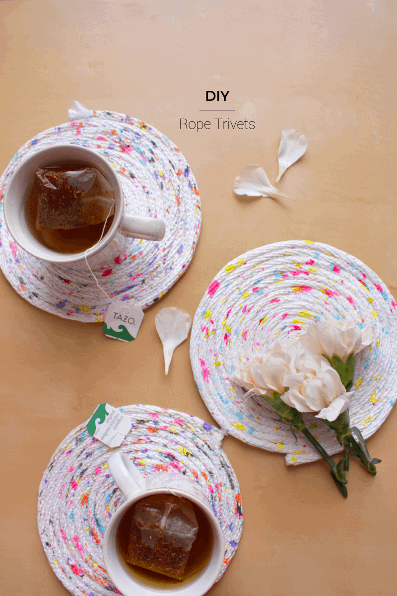 Using acrylic paint and leftover rope, DIY these beautiful and easy trivets. Or make placemats, coasters or storage bins using this method!