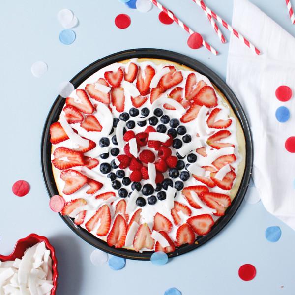 DIY Memorial Day Dessert Pizza on Brit + Co