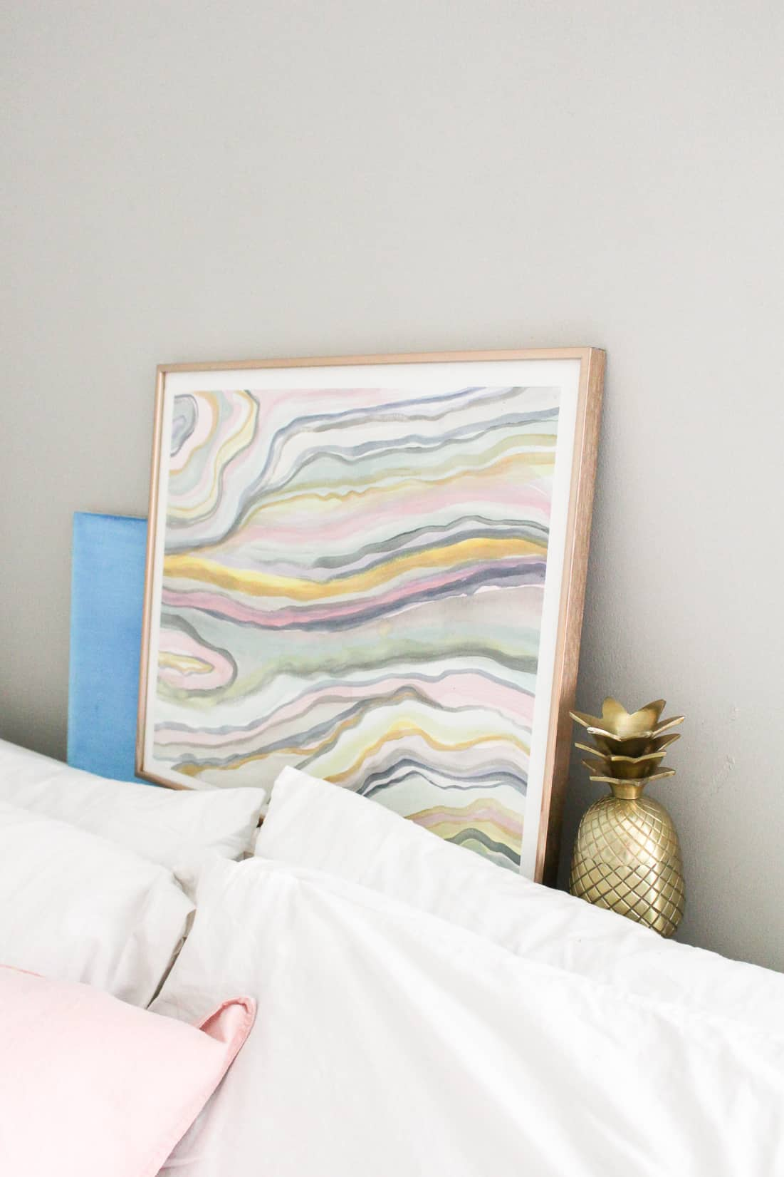 4 DIY Home Decor Projects to Try: DIY Anthropologie Hack Marbled Wall Art on Brit + Co | Fish & Bull