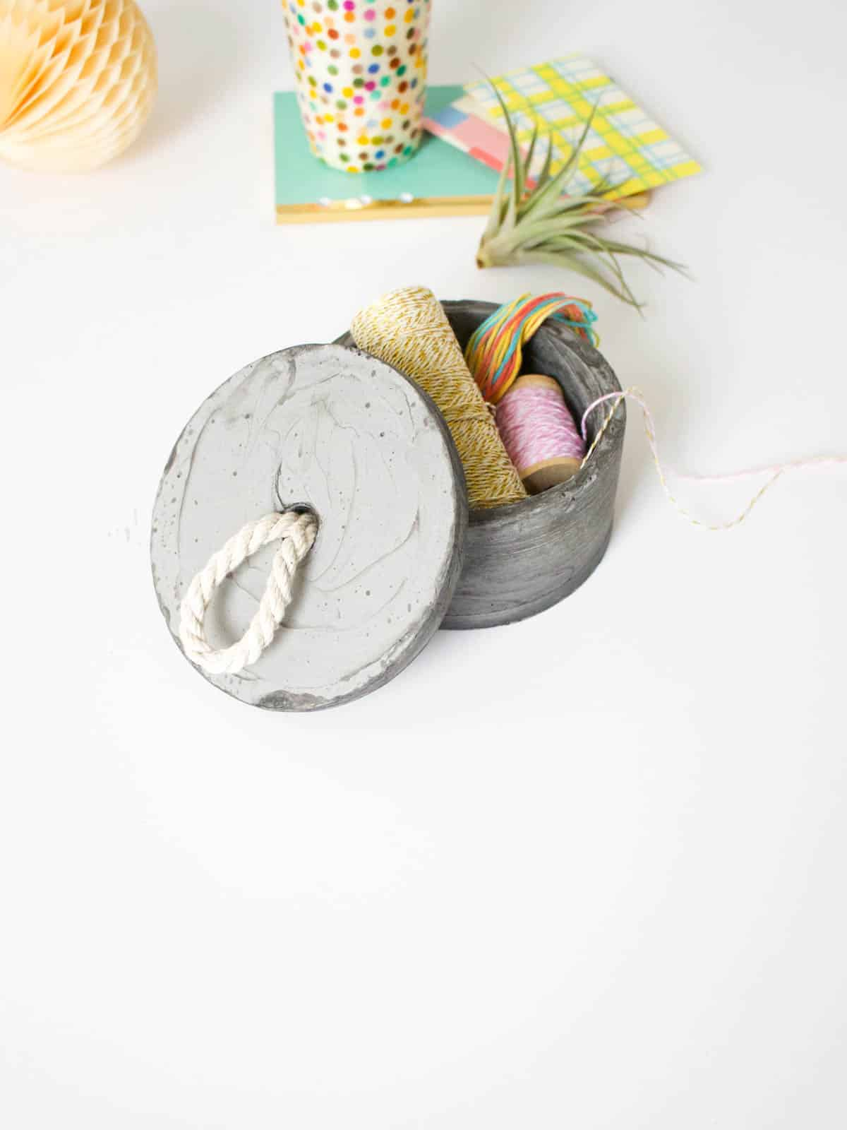 DIY Concrete Bowl and Lid