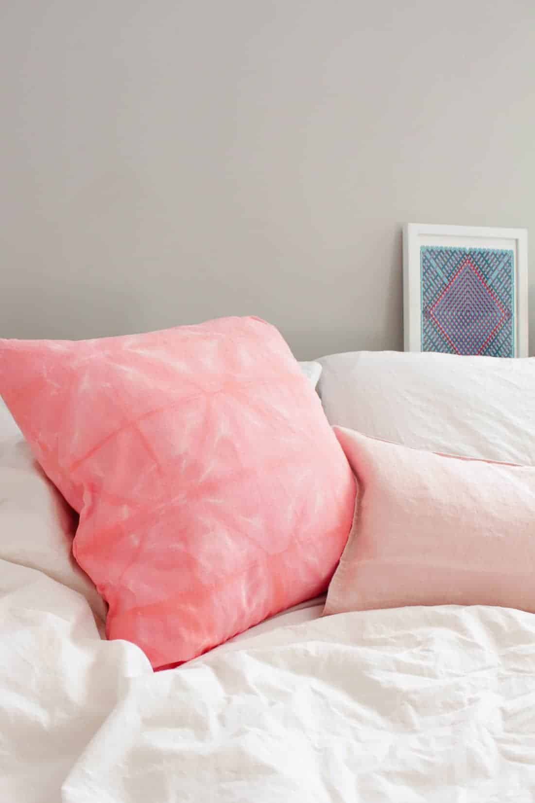 4 DIY Home Decor Projects to Try: DIY Pink Shibori Style Throw Pillow on Sugar & Cloth | Fish & Bull