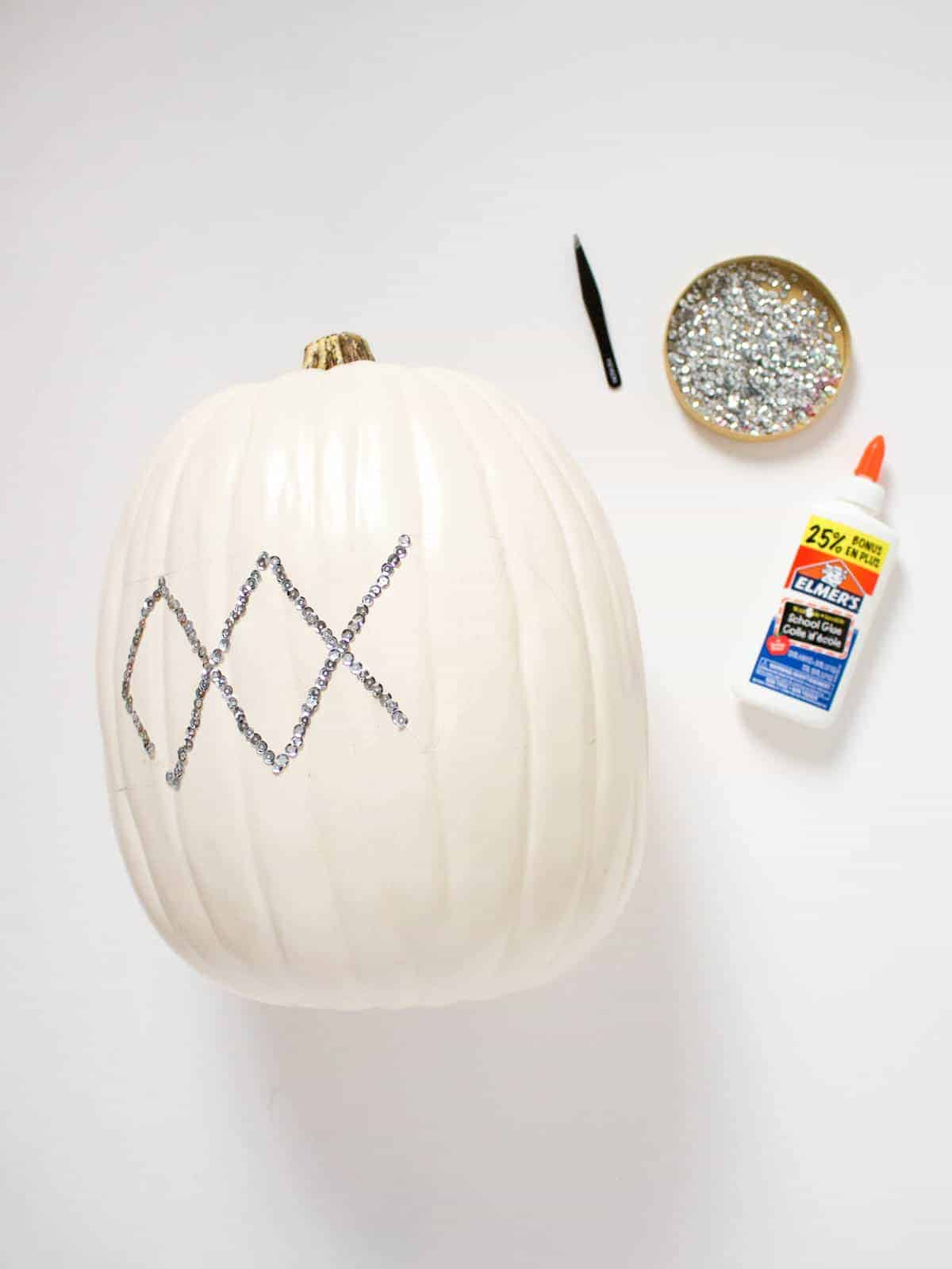 Make it a Sparkly Halloween With This DIY Moroccan Style Sequin Pumpkin | Fish & Bull